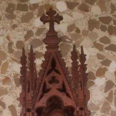 Antigüedades: CAPILLA ANTIGUA ESPECTACULAR DE 80 CMS. DE ALTURA X 20 DE ANCHO. LA VIRGEN MIDE 30 CMS.. Lote 194935942