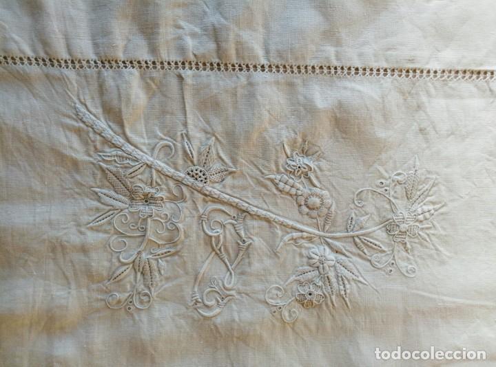 Antigüedades: Funda almohada bordada - Foto 4 - 194941420