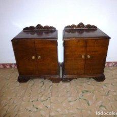 Antigüedades: PAREJA DE ANTIGUAS MESITAS DE NOCHE.. Lote 194955093