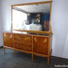 Antigüedades: ANTIGUO APARADOR CON ESPEJO.AÑOS 50.. Lote 194960010