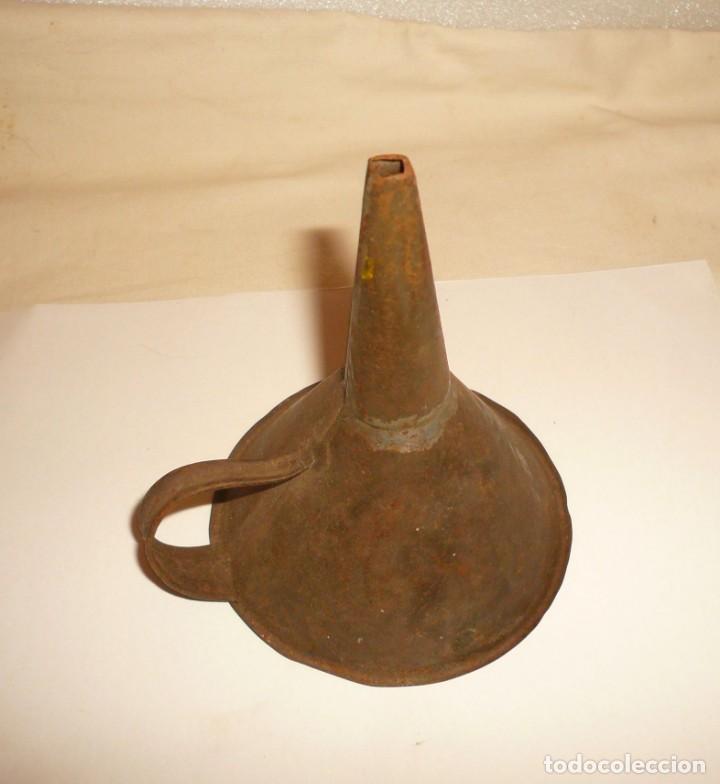 Antigüedades: EMBUDO DE HOJALATERO - Foto 3 - 194965463
