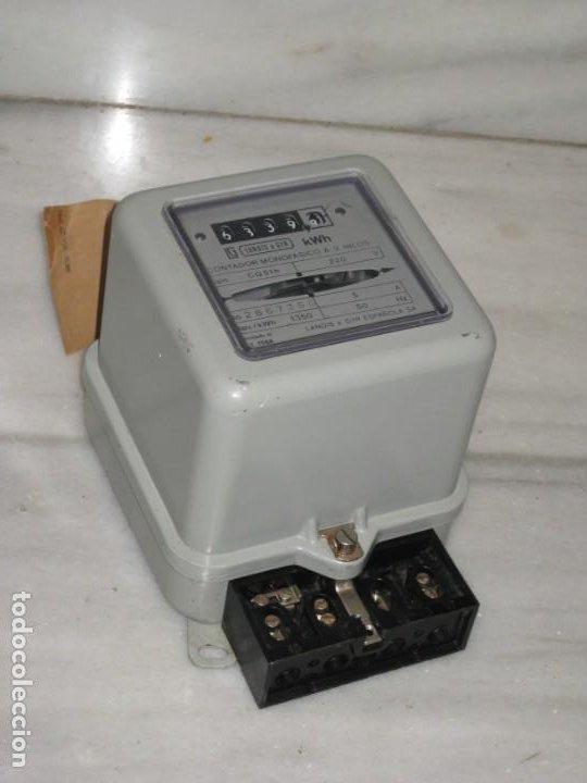 Antigüedades: Antiguo contador de luz. Landis & Gyr Española S.A. 1971. - Foto 9 - 194966431