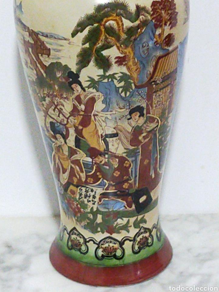 Antigüedades: GRAN Y ANTIGUO JARRON JAPONES PINTADO A MANO 36CM - Foto 2 - 194970915