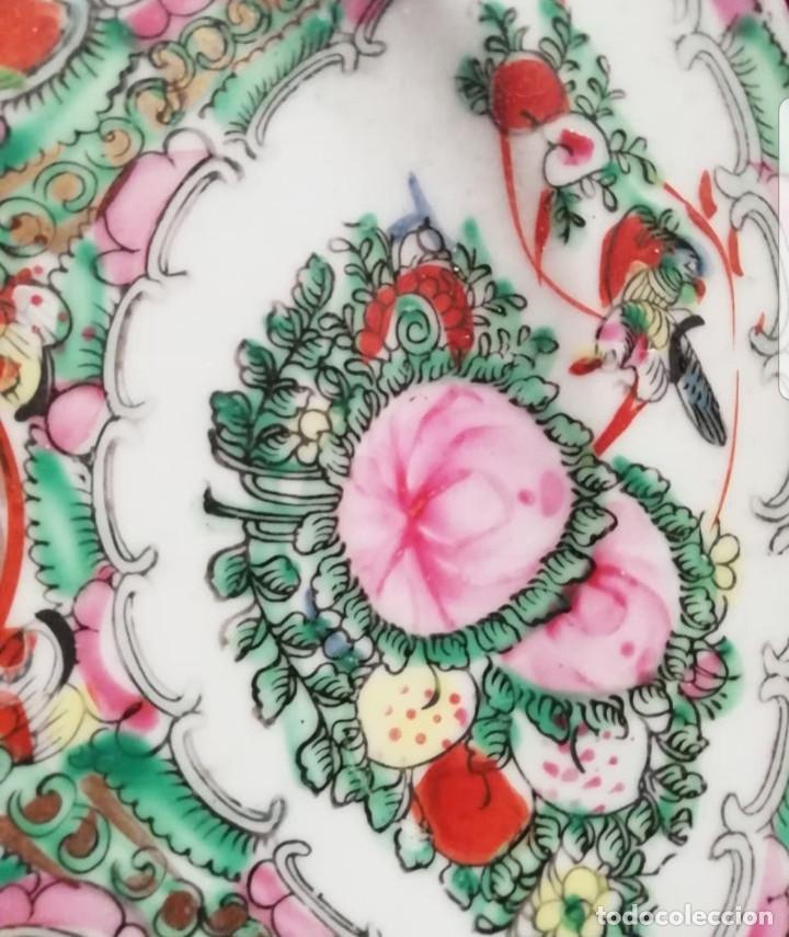 Antigüedades: Plato decorativo de porcelana china de familia, sellada - Foto 2 - 195000337