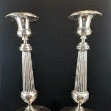 Antigüedades: CANDELEROS DE PLATA. BARCELONA. SIGLO XIX.. Lote 195008195