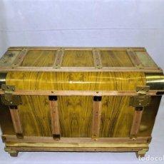 Antigüedades: ANTIGUO BAUL FABRICADO EN LOS AÑOS 40- 50. Lote 195031893