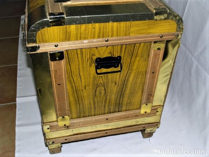Antigüedades: Antiguo baul fabricado en los años 40- 50 - Foto 7 - 195031893