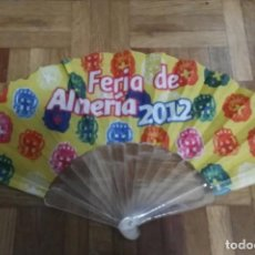 Antigüedades: ABANICO FERIA ALMERIA 2012 PLÁSTICO Y TELA EN SU CAJA. Lote 195038860