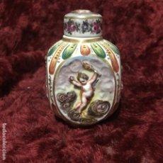 Antigüedades: CAPODIMONTE BOTELLA ÁNGELES. Lote 195039015