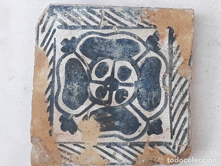 Antigüedades: AZULEJO ANTIGUO GOTICO ( OLAMBRILLA ) MANISES ( VALENCIA ) SIGLO XV. - Foto 2 - 195049871