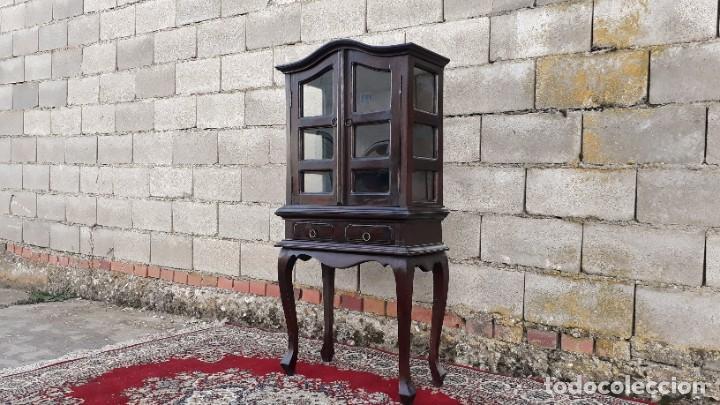 PEQUEÑA VITRINA EXPOSITORA ANTIGUA ESTILO INGLÉS. VITRINA ANTIGUA. (Antigüedades - Muebles Antiguos - Vitrinas Antiguos)