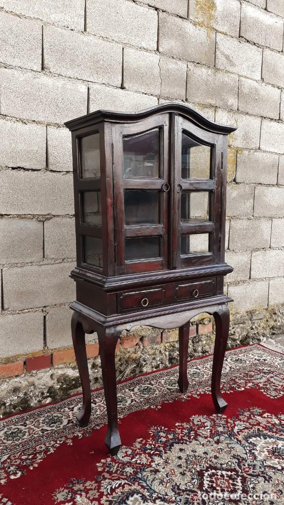 Antigüedades: Pequeña vitrina expositora antigua estilo inglés. Vitrina antigua. - Foto 3 - 195057176