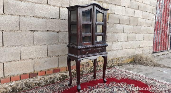 Antigüedades: Pequeña vitrina expositora antigua estilo inglés. Vitrina antigua. - Foto 4 - 195057176