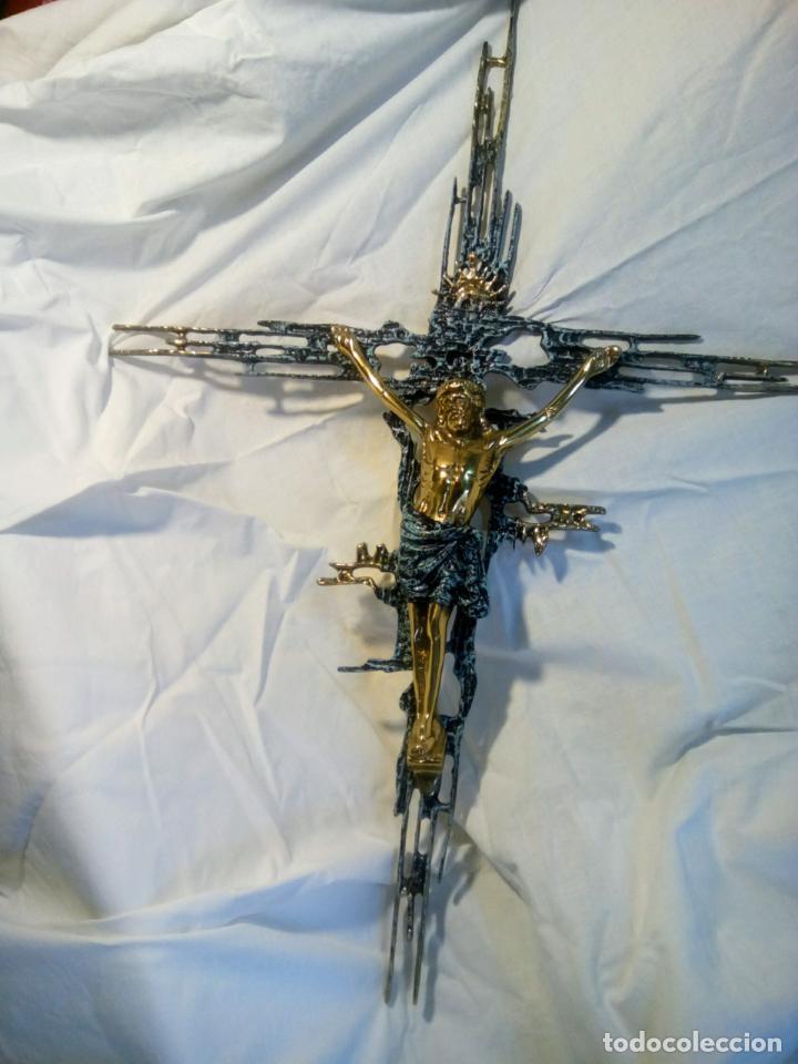 Antigüedades: Crucifijo con Cristo en bronce . Dalí. Surrealismo.67 cm - Foto 3 - 195057860