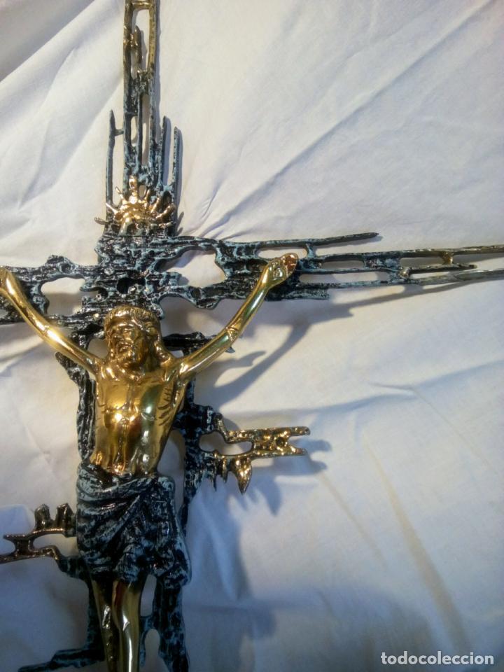 Antigüedades: Crucifijo con Cristo en bronce . Dalí. Surrealismo.67 cm - Foto 9 - 195057860