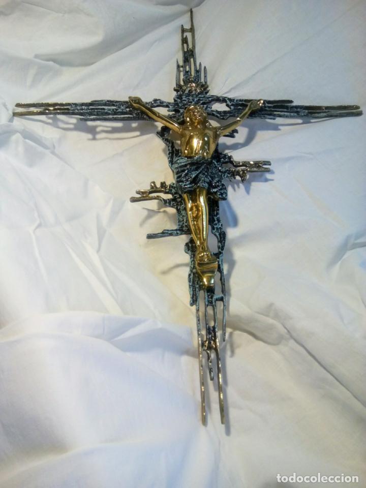 Antigüedades: Crucifijo con Cristo en bronce . Dalí. Surrealismo.67 cm - Foto 13 - 195057860