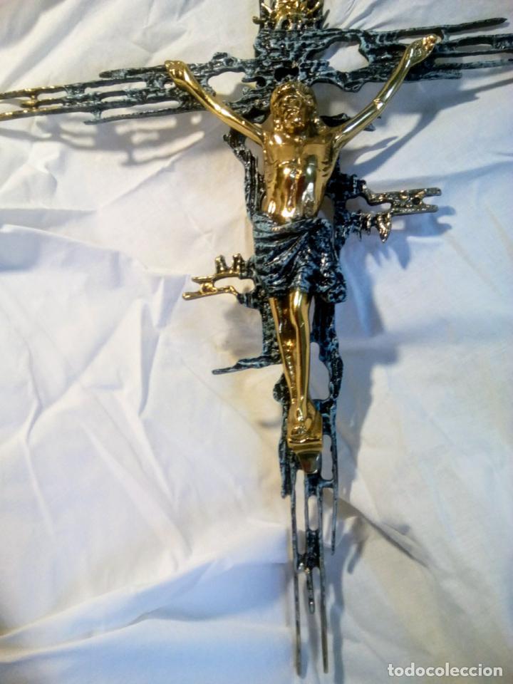 Antigüedades: Crucifijo con Cristo en bronce . Dalí. Surrealismo.67 cm - Foto 14 - 195057860