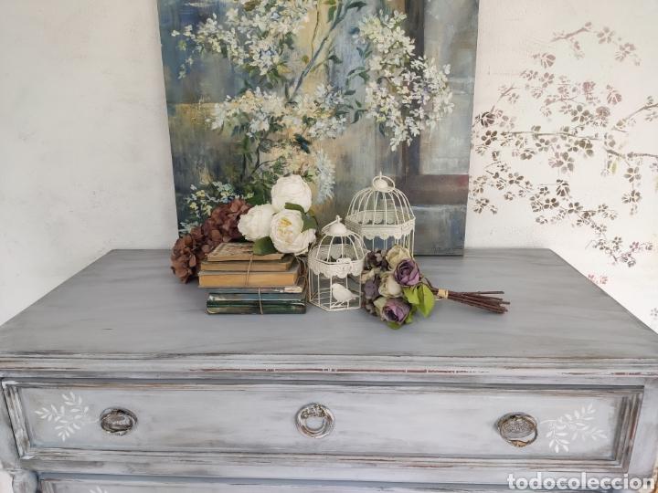 Antigüedades: Comoda 5 cajones restaurada en gris y blanco Shabby chic - Foto 5 - 195059410