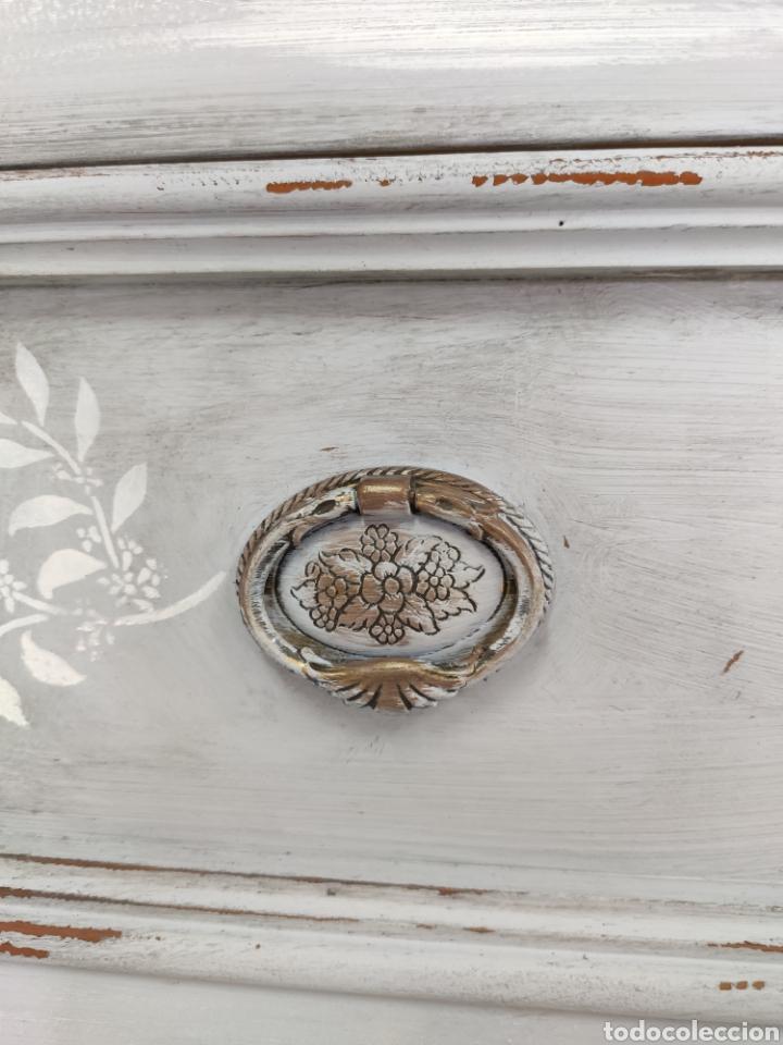 Antigüedades: Comoda 5 cajones restaurada en gris y blanco Shabby chic - Foto 6 - 195059410