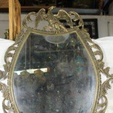 Antigüedades: ESPEJO DE BRONCE CON AGUILA Y ANGEL. Lote 195067782