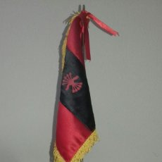 Antigüedades: BANDERA SOBREMESA FALANGE ESPAÑOLA. Lote 195068581