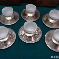 Antigüedades: JUEGO DE SEIS TAZAS DE CAFE ALPACA CON REVESTIMIENTO INTERIOR DE PORCELANA TIPO BISCUIT. Lote 195070336