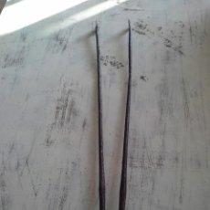 Antigüedades: TENAZAS DE FORJA. Lote 195075295