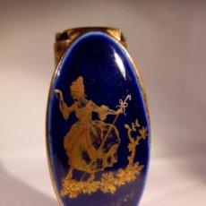 Antigüedades: BARRA DE LABIOS CON ESPEJO LIMOGES PARIS. AÑOS 30-40. Lote 195084971