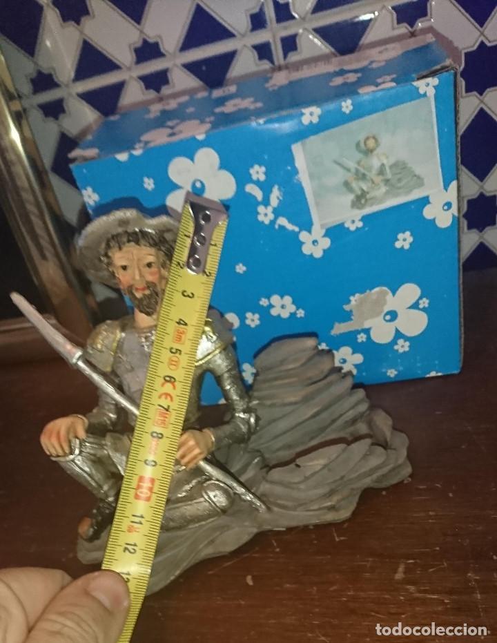 Antigüedades: ANTIGUA FIGURA MUÑECO TALLADO EN RESINA PINTADO A MANO SIRVE DE REPOSA TELEFONOS MOVILES DON QUIJOTE - Foto 3 - 195087940