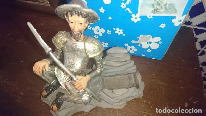 Antigüedades: ANTIGUA FIGURA MUÑECO TALLADO EN RESINA PINTADO A MANO SIRVE DE REPOSA TELEFONOS MOVILES DON QUIJOTE - Foto 4 - 195087940