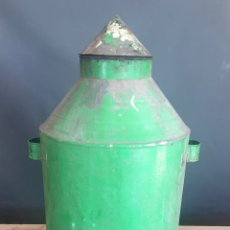 Antigüedades: ANTIGUA ACEITERA DE METAL -85 CMS DE ALTO -(19441). Lote 195098041