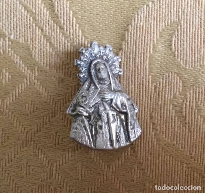 Antigüedades: ANTIGUO ALFILER, PIN DE PLATA DE VIRGEN - Foto 2 - 195102797