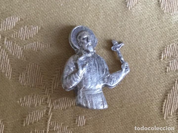ANTIGUO ALFILER, PIN DE PLATA DE SAN FRANCISCO JAVIER (Antigüedades - Religiosas - Varios)