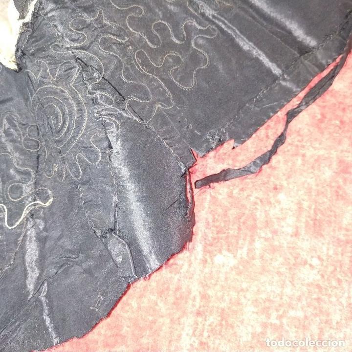 Antigüedades: BLUSA ART DÉCO PARA DAMA. TAFETAN DE SEDA. BORDADOS MANUALES. ESPAÑA. CIRCA 1920 - Foto 15 - 195110216
