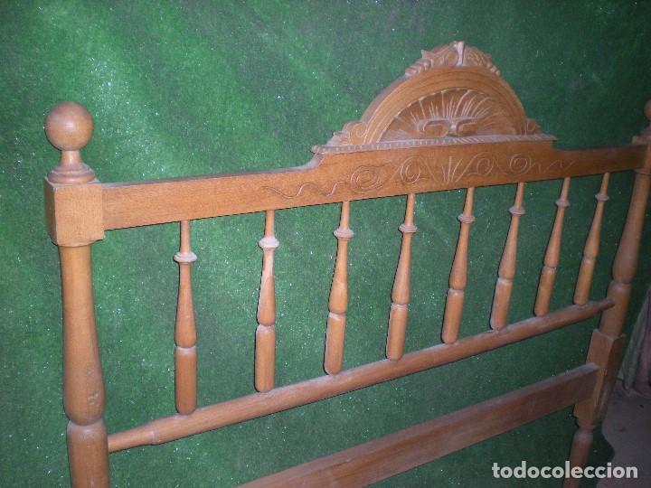CABECERO DE CAMA MADERA, ANCHO 130CM X 120CM ALTURA (Antigüedades - Muebles Antiguos - Camas Antiguas)