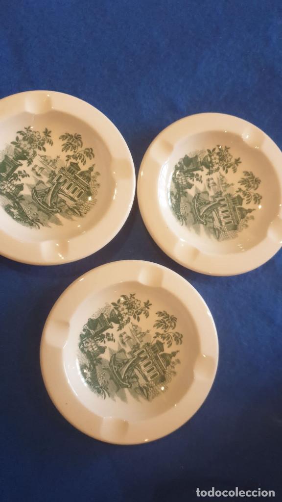 Antigüedades: Lote de tres ceniceros de cerámica sellada de cartuja pickman. - Foto 2 - 195132043
