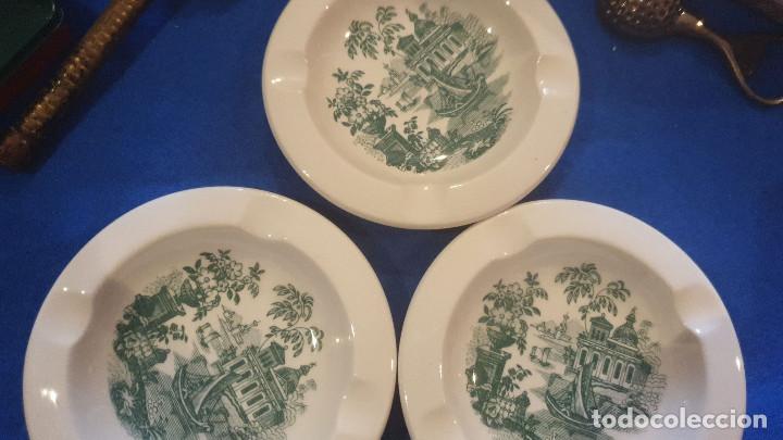 Antigüedades: Lote de tres ceniceros de cerámica sellada de cartuja pickman. - Foto 3 - 195132043