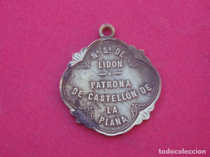 Antigüedades: Medalla Siglo XIX Virgen de Lindón Patrona de Castellón de la Plana. - Foto 2 - 195145817