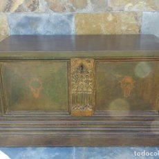 Antigüedades: ARCON MADERA DE NOGAL SIGLO XVIII. Lote 195149395