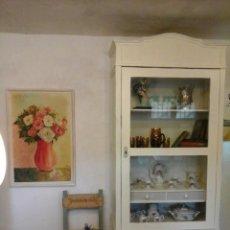 Antigüedades: DECORATIVA Y ESPACIOSA VITRINA ANTIGUA AÑOS 30. Lote 195178346