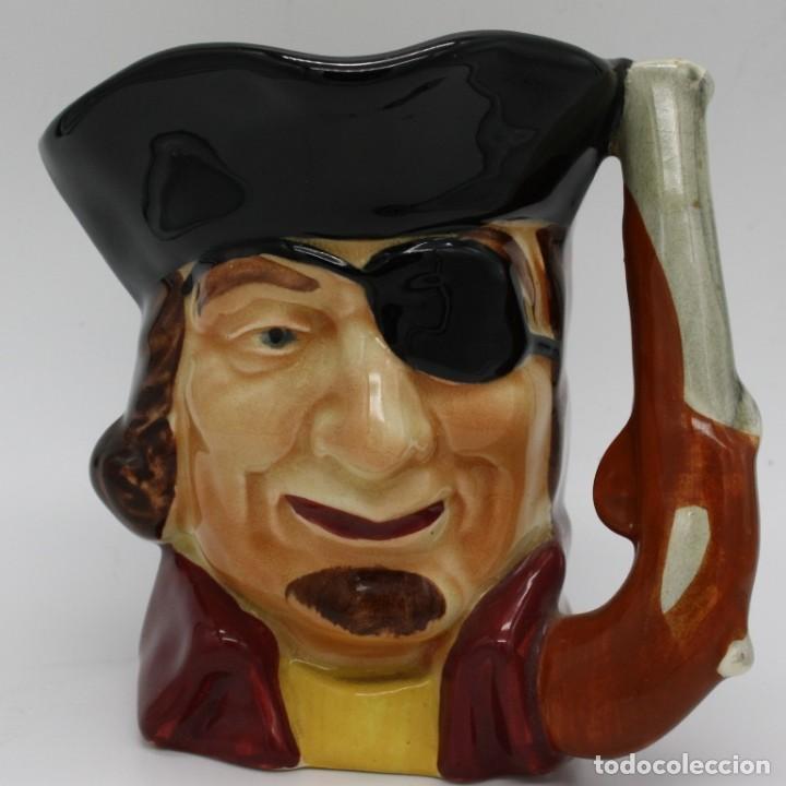 JARRA DE PORCELANA INGLESA SHORTER & SON LTD. REPRESENTA A RICHARD TURPIN, APODADO DICK 1705-1739 (Antigüedades - Porcelanas y Cerámicas - Inglesa, Bristol y Otros)