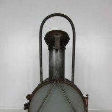 Antigüedades: CURIOSO FARO ANTIGUO DE TREN - ELECTRIFICADO - FAROL EN METAL Y COBRE - DE COLECCIÓN !!!. Lote 195194190