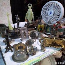 Antigüedades: LOTE 19 FIGURAS RELIGIOSAS DE METAL, PLASTICO, MÁRMOL CON IMÁGENES RELIGIOSAS Y MONUMENTOS. Lote 195195532