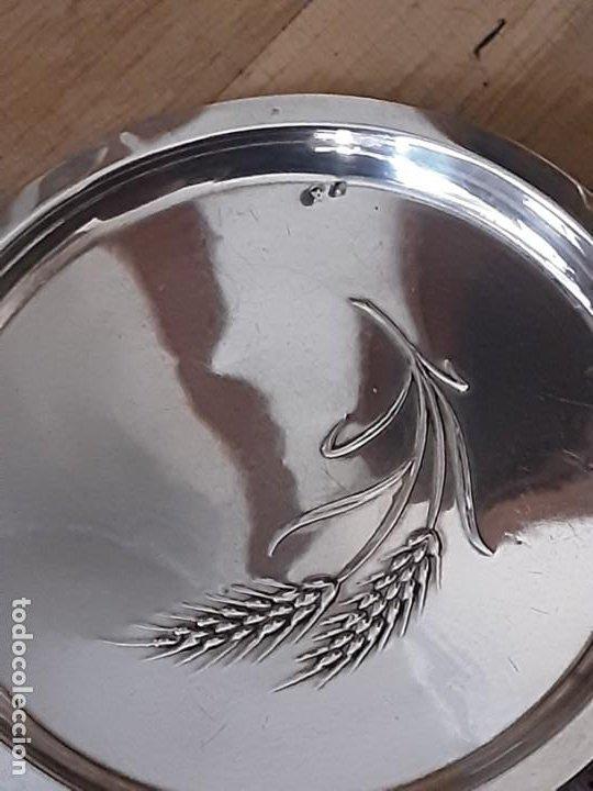 Antigüedades: Platito para el pan espiga labrada, plata de ley contrastada. Peso 27 grs. Diam. 10,6 cms - Foto 3 - 195203973