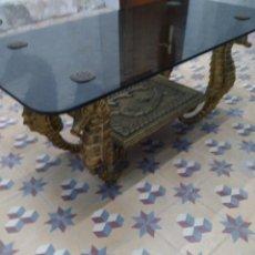 Antigüedades: MESA CENTRO EN HIERRO DORADO. Lote 195206711