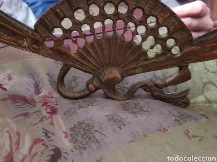 Antigüedades: Espejo de bronce con forma de abanico - Foto 7 - 195208750