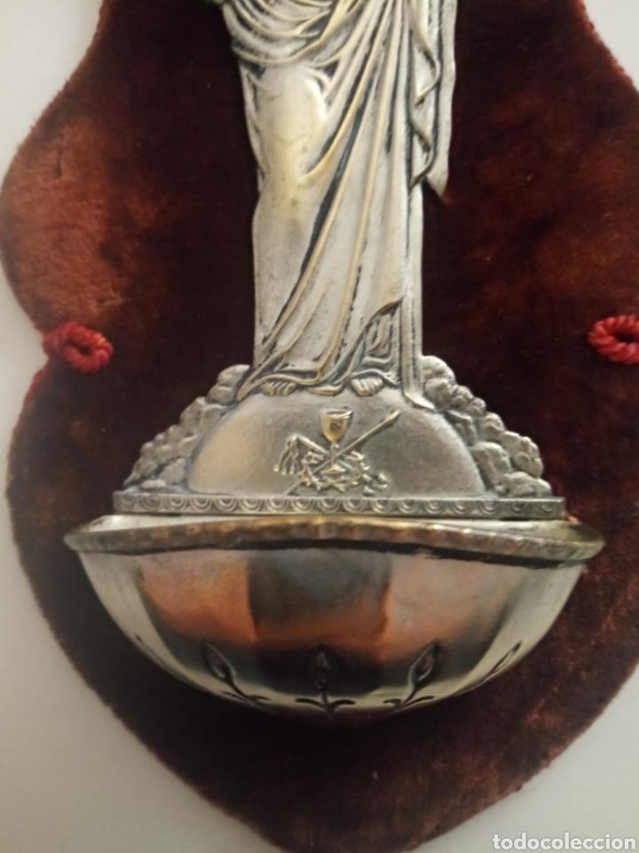 Antigüedades: BENDITERA SAGRADO CORAZÓN. BENDITERA PARA EL AGUA BENDITA DE METAL Y TERCIOPELO.DESCOSIDA - Foto 3 - 195211992