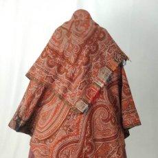 Antigüedades: ANTIGUO MANTÓN DE OCHO PUNTAS. CAPUCHA.. Lote 195219197