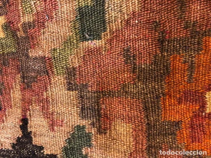 Antigüedades: 4 cojies hechos con kilims antiguos - Foto 7 - 195236636
