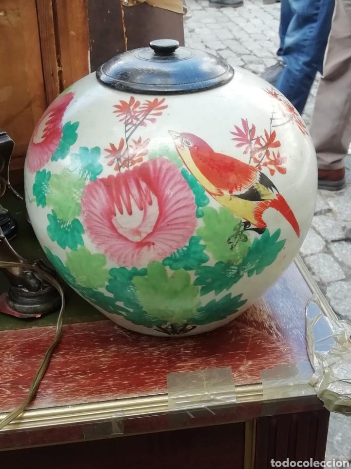 TIBOR CHINO SIGLO XX PINTADO A MANO CON TAPA EN MADERA DE TEKA (Antigüedades - Porcelanas y Cerámicas - China)